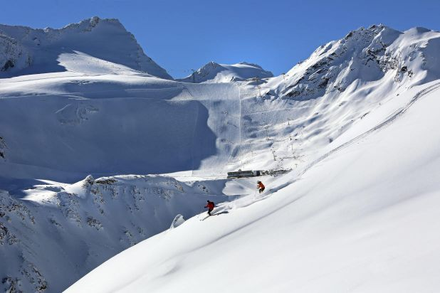 Spring Skiing Ski Deal