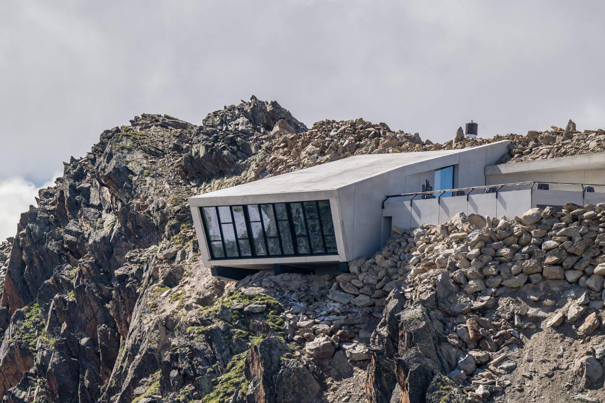 007 Elements James Bond Museum experience in Soelden Austria