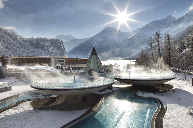 Ski Closing aqua dome winter wellness thermal spa skiing